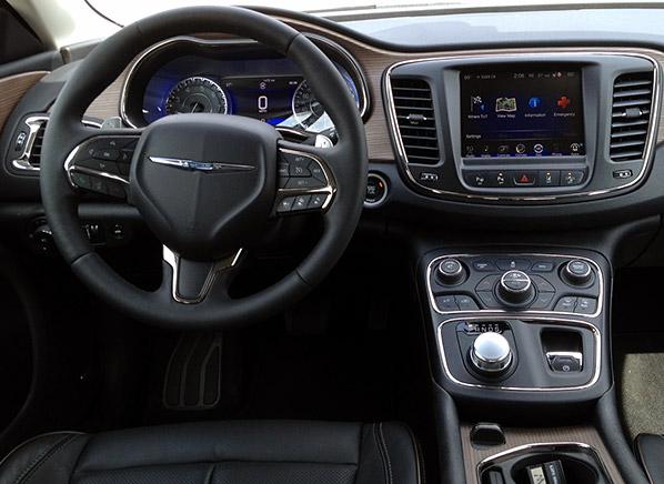 2015 Chrysler 200 Image 5