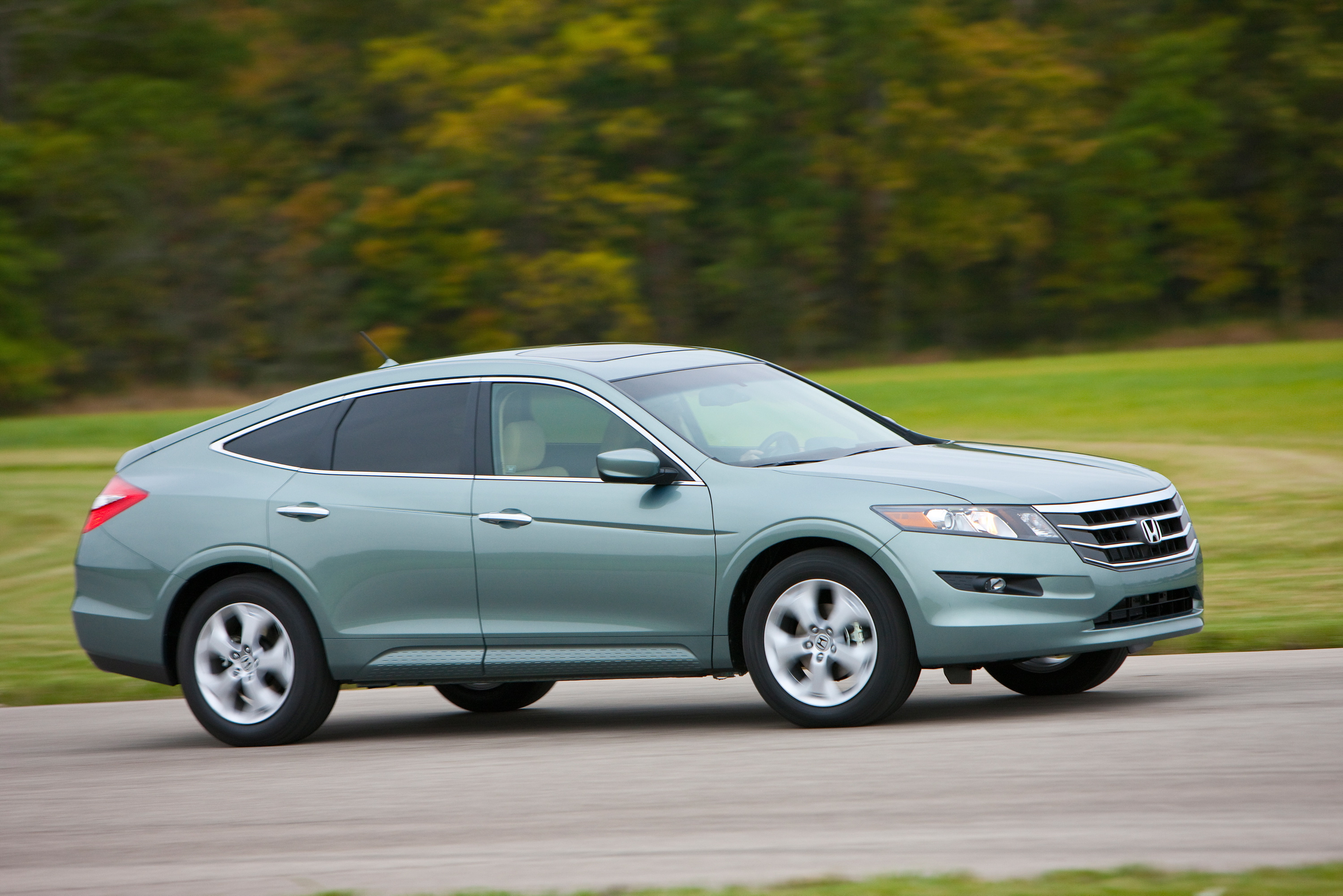 HONDA ACCORD CROSSTOUR MAKES YOU SIT UP! - Image #9
