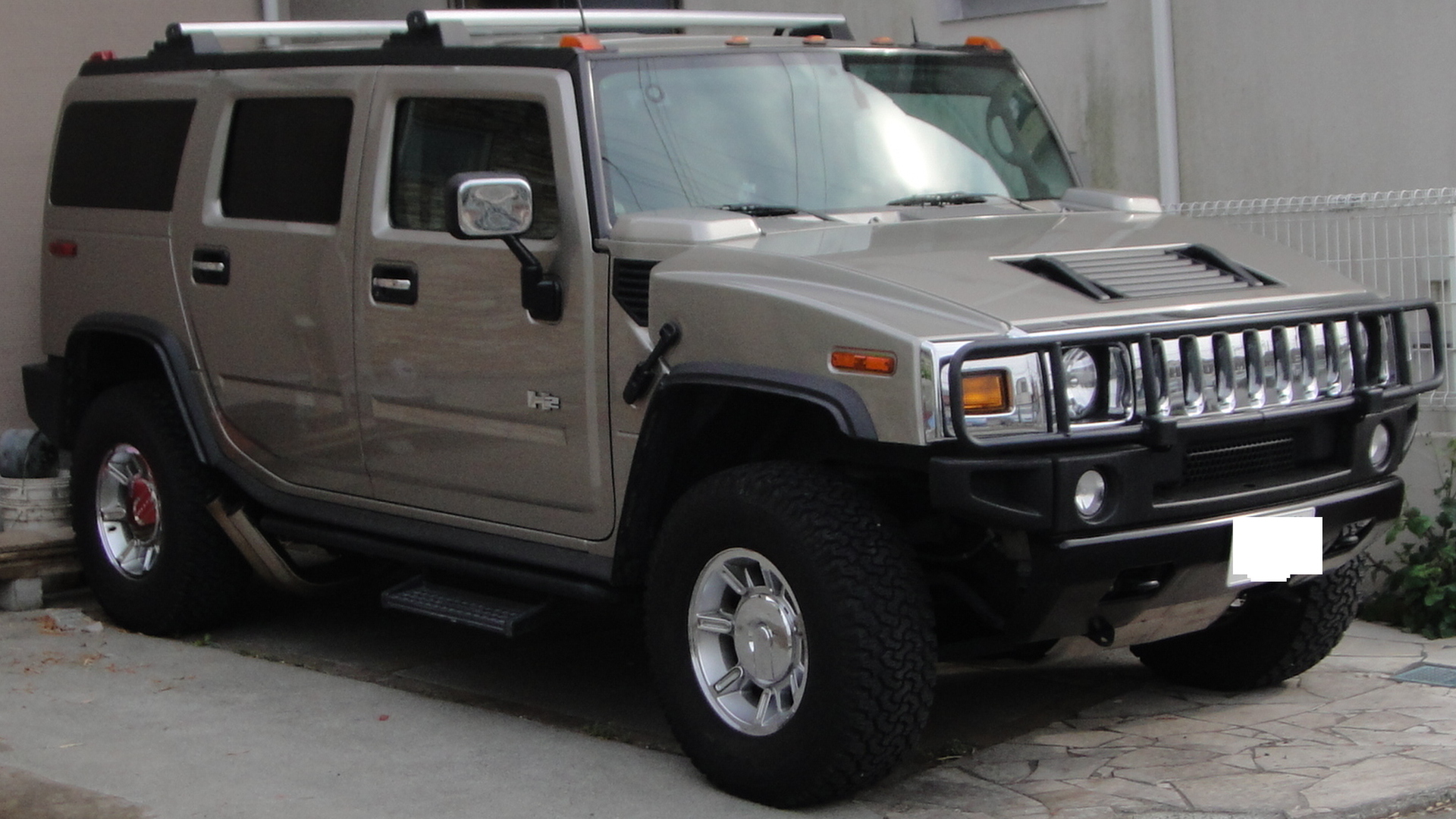 Hummer h2 is one strong truck for jumps and stunts hummer h2 hummer h2 vanachro Image collections