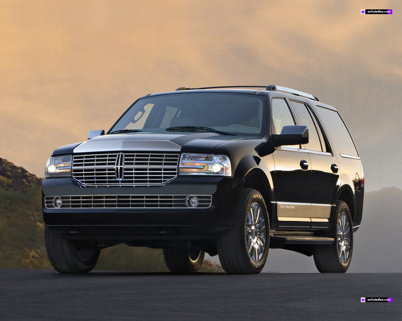 Navigate Your Experience with Lincoln Navigator #2