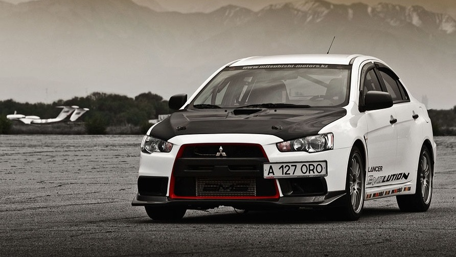 How To Modify An Already Sporty Mitsubishi Lancer EVO X #1