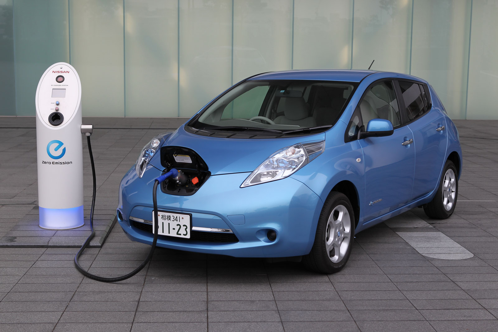 Nissan Leaf Proves That Electric Cars Don T Have To Be Ugly