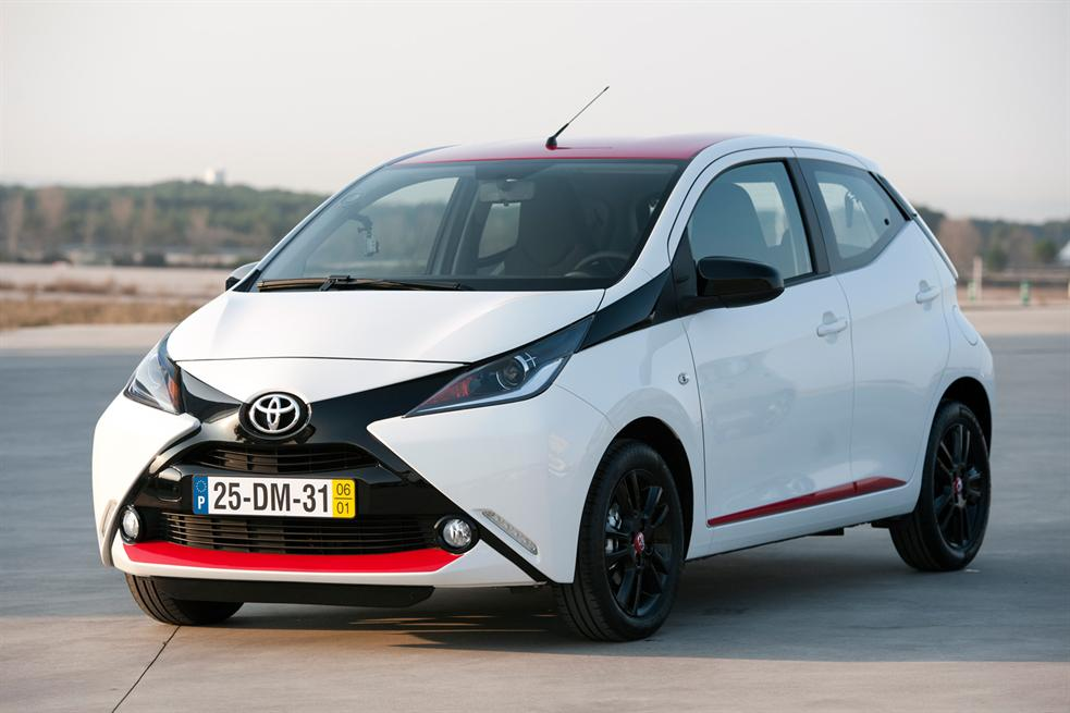 toyota aygo i go and drive. Black Bedroom Furniture Sets. Home Design Ideas