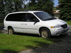 1993 Chrysler Town and Country #7