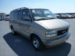 2002 GMC Safari Cargo #9