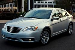 2013 Chrysler 200 #4