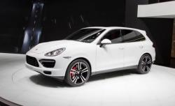 2014 Porsche Cayenne comes with great design and offers high performance