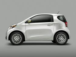 2014 Scion iQ #20