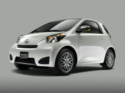 2014 Scion iQ #12