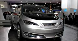 2015 Chrysler Town and Country #2