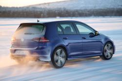 2015 Volkswagen Golf R #9