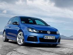 2015 Volkswagen Golf R #14