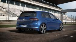 2015 Volkswagen Golf R #8