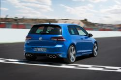 2015 Volkswagen Golf R #10