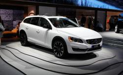 2015 Volvo V60 Cross Country #8