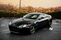 Inspirational driving and description of Aston Martin Vantage