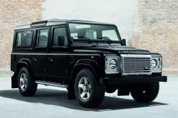 land rover Defender makes a terrible mistake