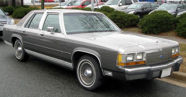 1991 Ford LTD Crown Victoria