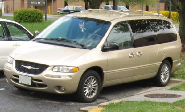 1998 Chrysler Town and Country #1