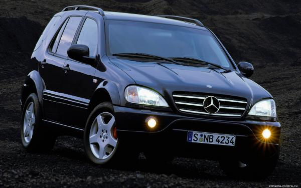 2000 Mercedes-Benz ML55 AMG