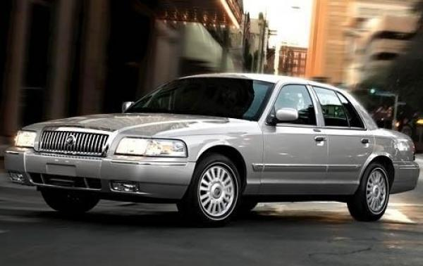 2011 Mercury Grand Marquis #1