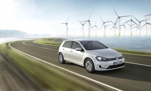 2015 Volkswagen e-Golf #1
