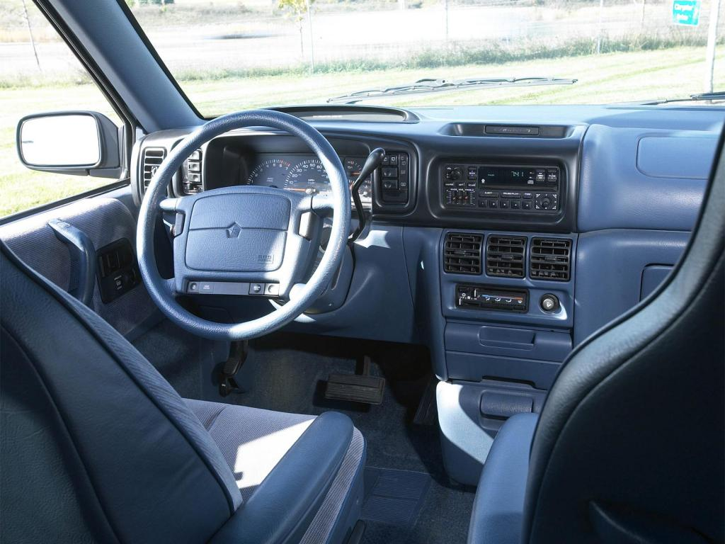 1995 Dodge Grand Caravan Information And Photos Zomb Drive