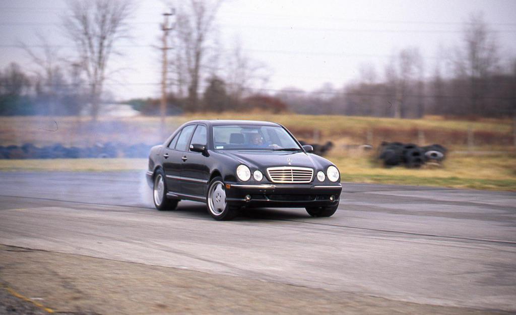 2000 mercedes benz e55 amg information and photos for Mercedes benz e55 amg