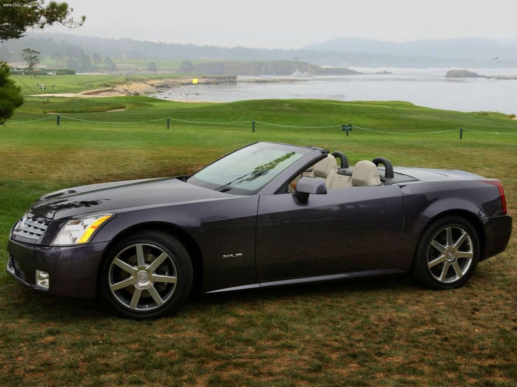 2004 Cadillac XLR - Information and photos - ZombieDrive