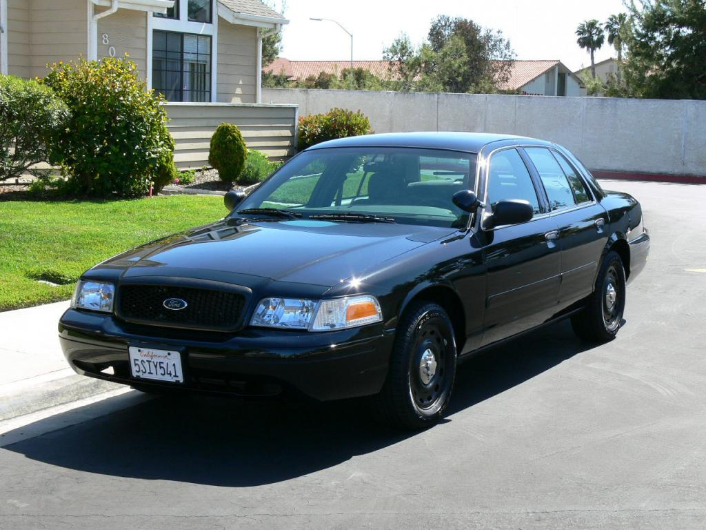 2005 ford crown victoria information and photos. Black Bedroom Furniture Sets. Home Design Ideas