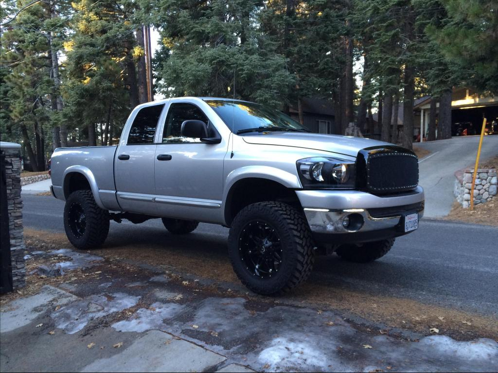 2007 dodge ram pickup 1500 information and photos zombiedrive. Black Bedroom Furniture Sets. Home Design Ideas