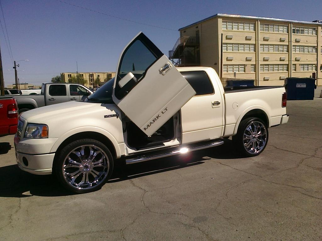 2008 lincoln mark lt information and photos zombiedrive. Black Bedroom Furniture Sets. Home Design Ideas