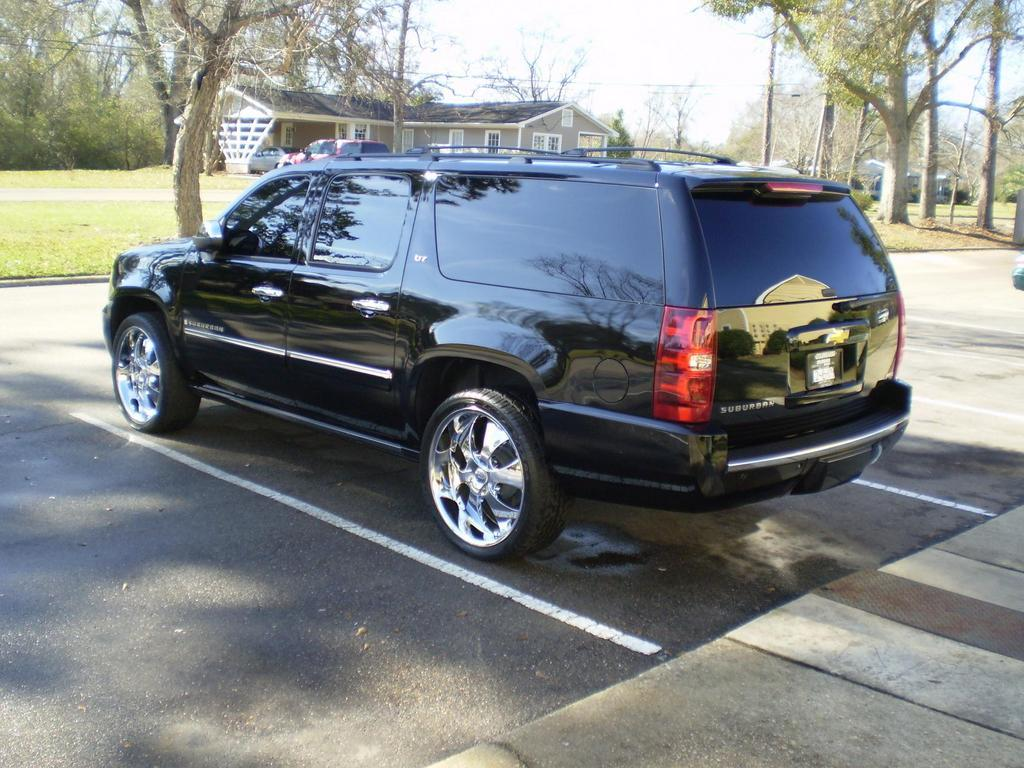 2009 Chevrolet Suburban - Information and photos - ZombieDrive