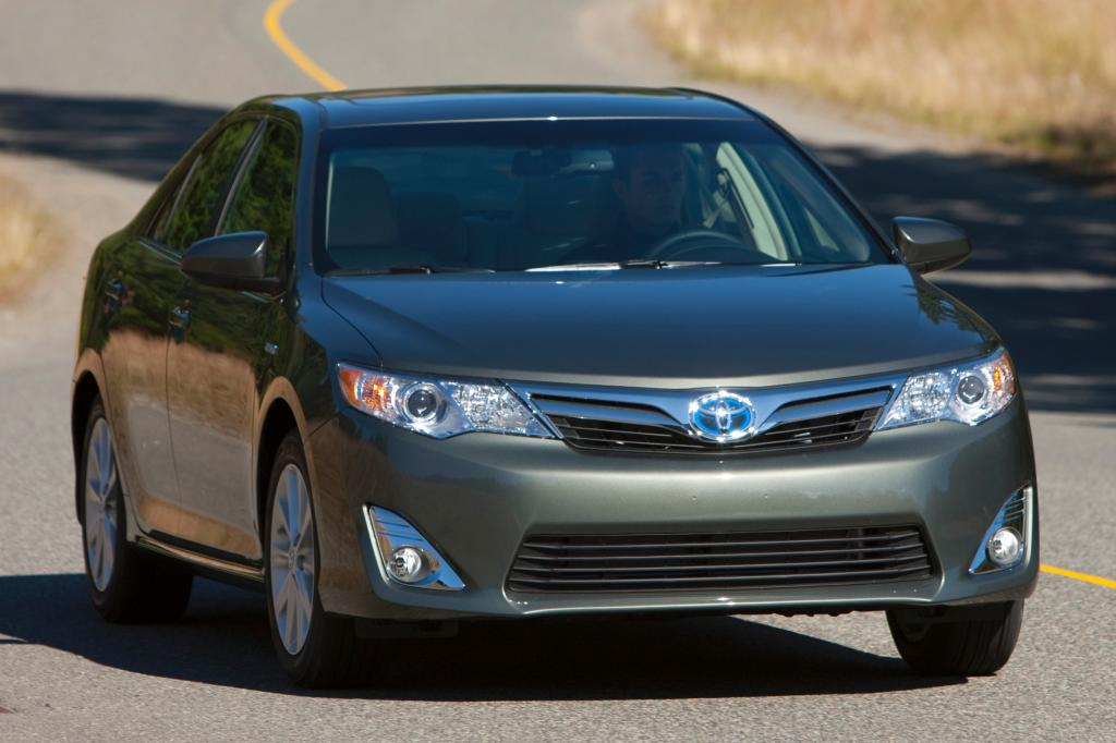 2013 toyota camry hybrid information and photos zombiedrive. Black Bedroom Furniture Sets. Home Design Ideas