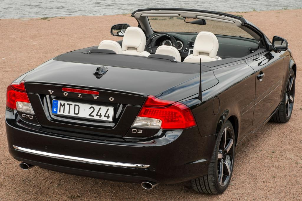 2013 volvo c70 information and photos zombiedrive. Black Bedroom Furniture Sets. Home Design Ideas