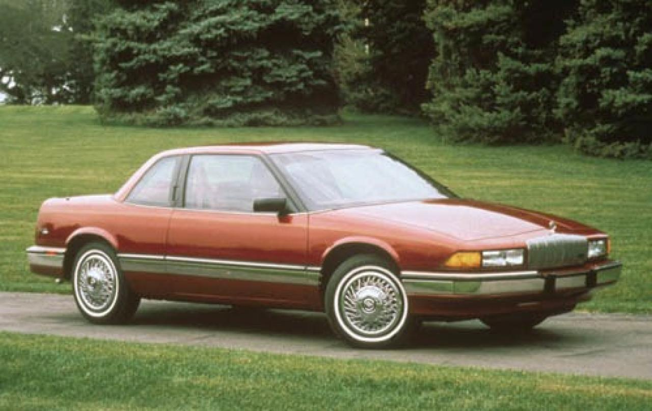 Snoop Dogg Interview additionally File 95 96 Buick Regal besides 1967 Buick Riviera California Car Gs Star Wars Air Cleaner Selling No Reserve 221852 besides 5162 1997 Buick Regal 12 in addition Buick Regal. on 1995 buick regal