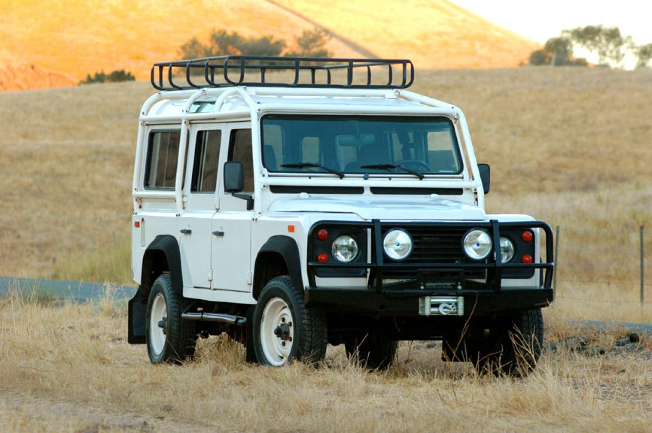 1993 land rover defender information and photos zombiedrive. Black Bedroom Furniture Sets. Home Design Ideas