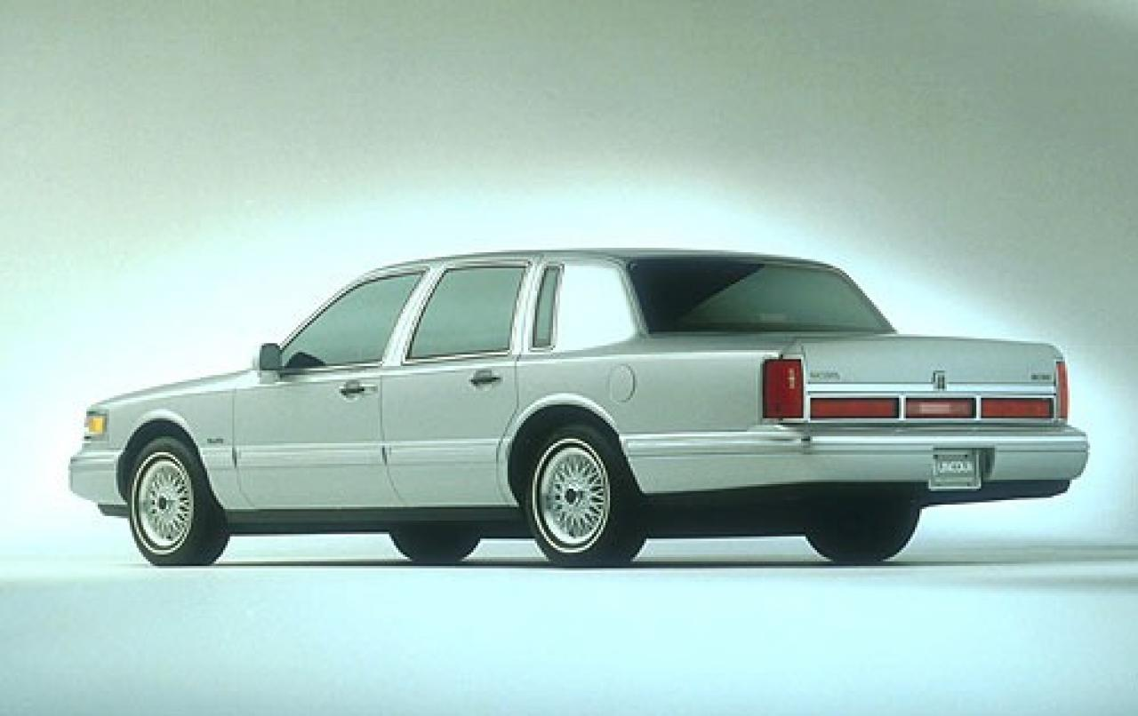 1997 Lincoln Town Car - Information And Photos