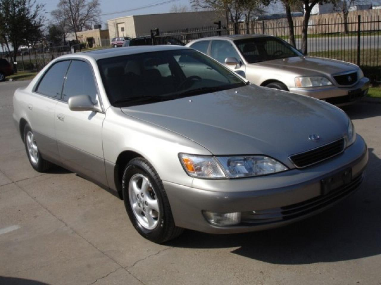 1998 Lexus Es 300 - Information And Photos