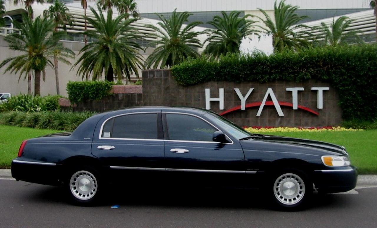 1999 Lincoln Town Car 13 800 1024 1280 1600