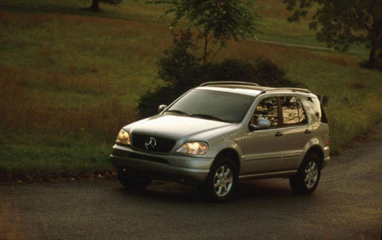 Service manual how to disconnect 1999 mercedes benz m for 2000 mercedes benz ml320 owners manual