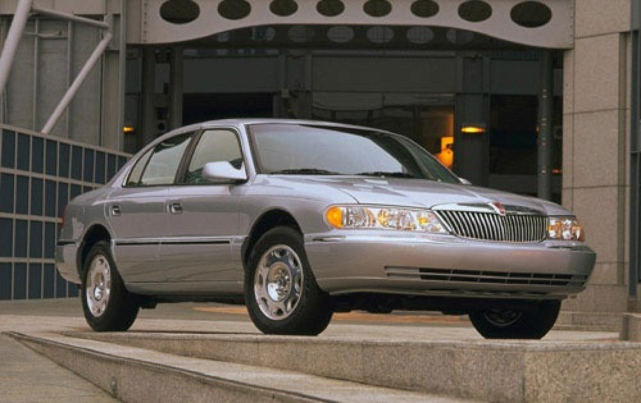 2002 Lincoln Continental - Information and photos - ZombieDrive