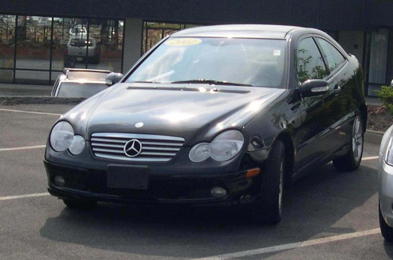 2002 mercedes benz c class information and photos zombiedrive. Black Bedroom Furniture Sets. Home Design Ideas