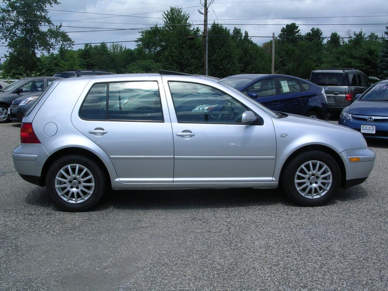 2003 volkswagen golf information and photos zombiedrive. Black Bedroom Furniture Sets. Home Design Ideas