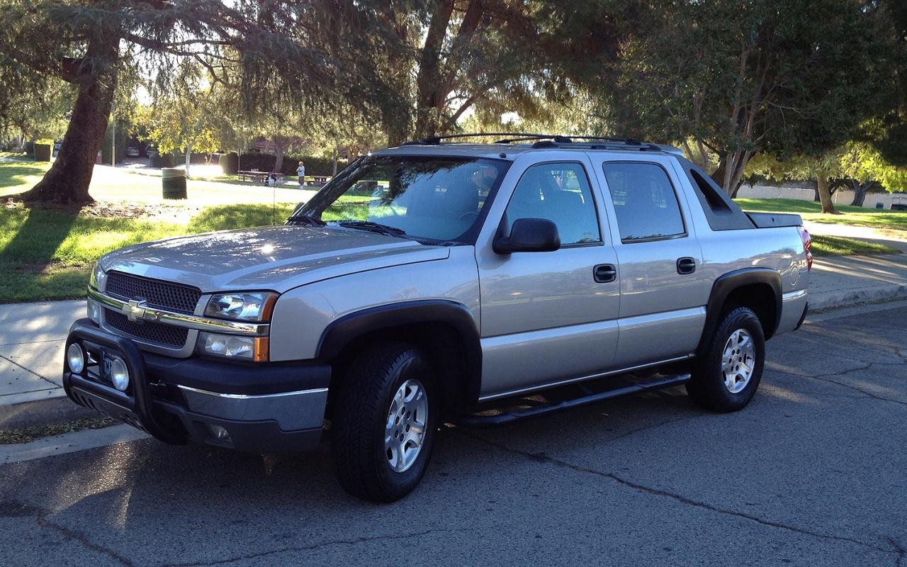 2004 chevrolet avalanche information and photos zombiedrive. Black Bedroom Furniture Sets. Home Design Ideas
