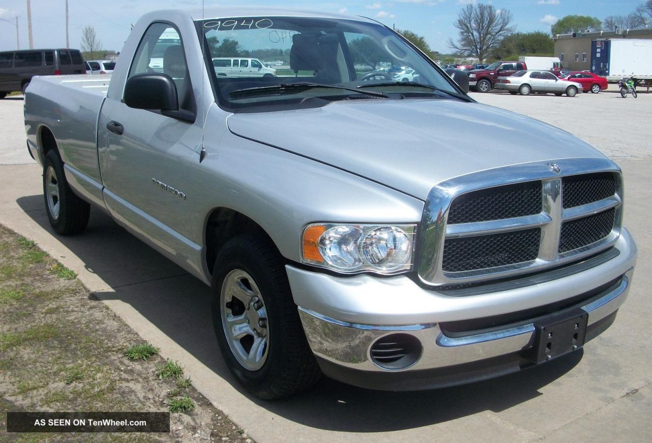 2004 dodge ram pickup 1500 information and photos. Black Bedroom Furniture Sets. Home Design Ideas