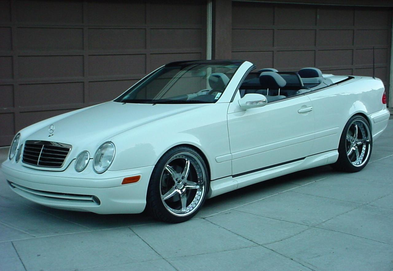 2004 mercedes benz clk class information and photos for Mercedes benz clk