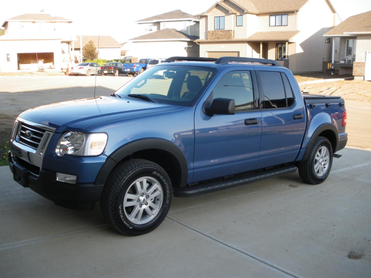 2005 ford explorer sport trac information and photos zombiedrive. Black Bedroom Furniture Sets. Home Design Ideas