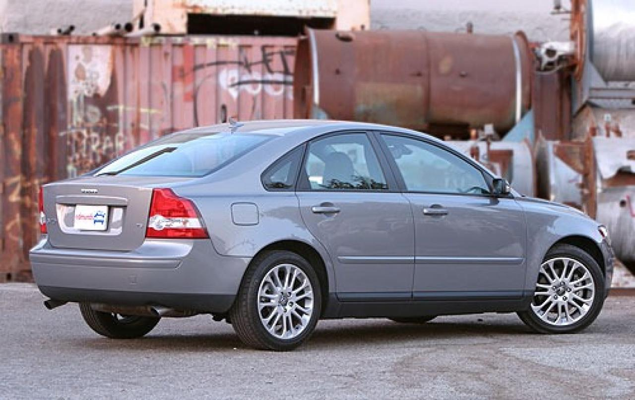 2005 volvo s40 information and photos zombiedrive. Black Bedroom Furniture Sets. Home Design Ideas