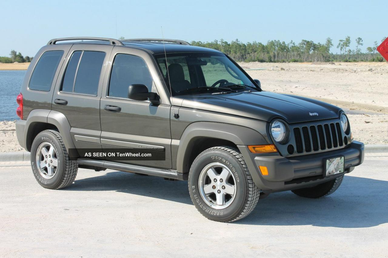 2006 jeep liberty information and photos zombiedrive. Black Bedroom Furniture Sets. Home Design Ideas